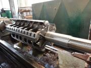 Soustružení rotoru do nožového mlýnu na soustruhu SU90 1